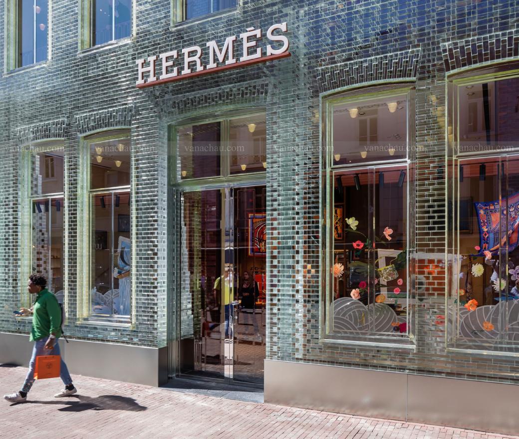 Công trình Channel và Hermes ứng dụng gạch kính